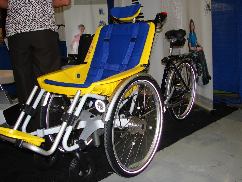 Duetto, bicicletta per disabili Freewiel, Offcarr