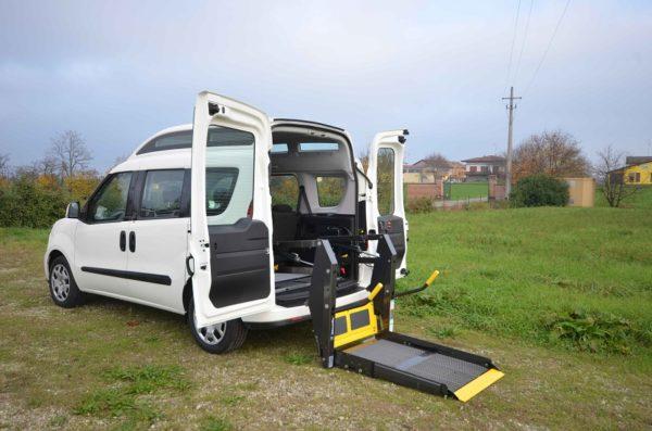 Fiat Doblò 2020 Tetto Alto per trasporto disabili 03