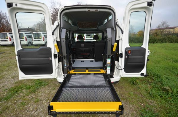 Fiat Doblò 2020 Tetto Alto per trasporto disabili 05