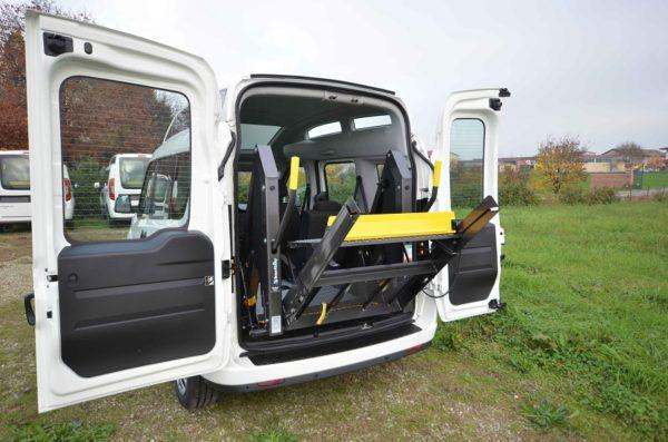 Fiat Doblò 2020 Tetto Alto per trasporto disabili 06