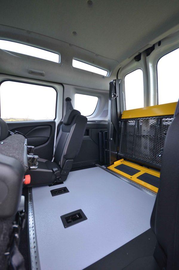 Fiat Doblò 2020 Tetto Alto per trasporto disabili 07