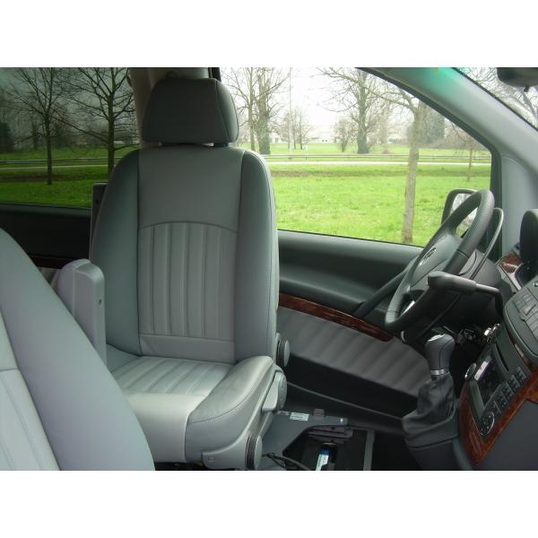Mercedes Viano Sali e Guida 5