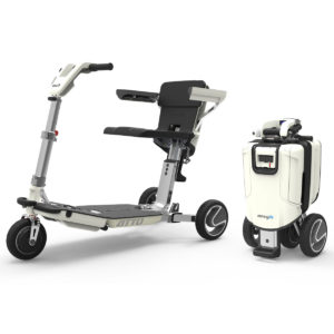 atto scooter pieghevole che diventa un trolley
