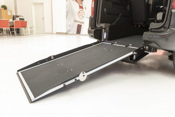 Peugeot Rifter passo corto per trasporto disabili 04