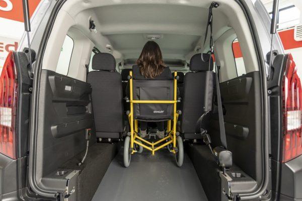 Peugeot Rifter passo corto per trasporto disabili 05
