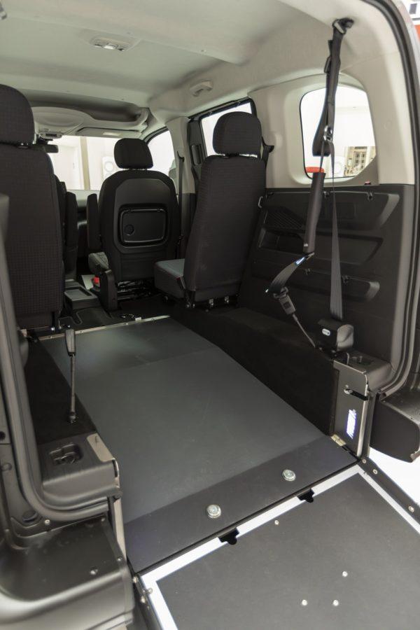 Peugeot Rifter passo corto per trasporto disabili 07