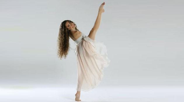 Il mondo di Simona Atzori danza