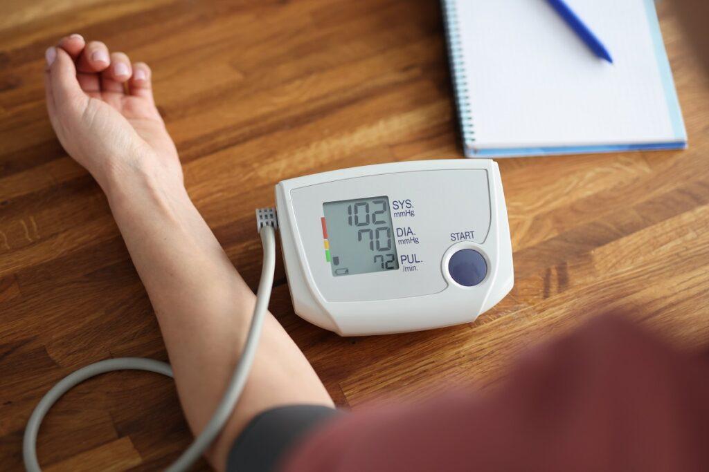 Misuratori di pressione arteriosa da braccio