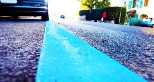 Parcheggio disabili strisce blu