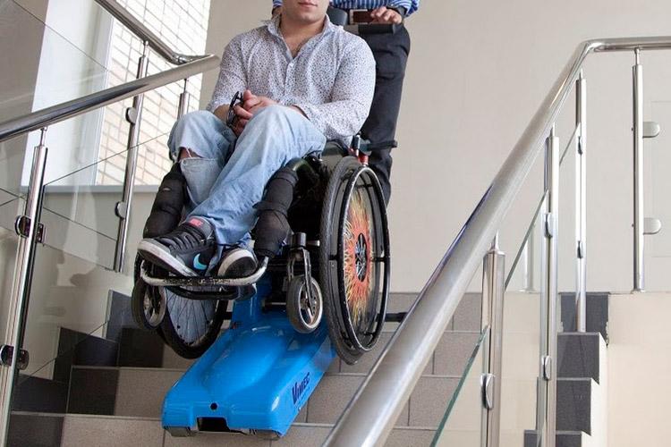 Montascale per disabili cingolato